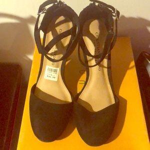 Black chunky heels 5.5